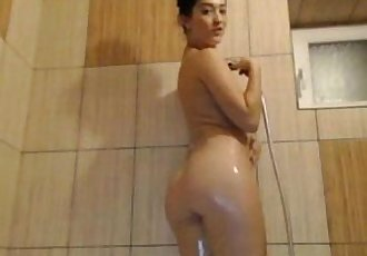 Big ass Arab chick teasing on 69sexcams.org - 5 min