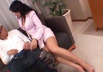 Chris Ozawa uses her tight pussy to smash a big dick - 10 min