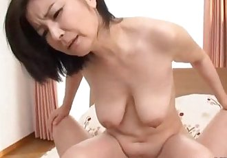 Milf Sucking Guy Hairy Pussy Fucked On The Bed - 7 min
