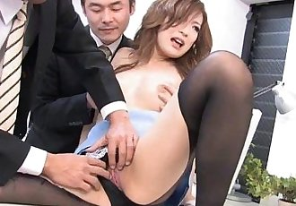 Aiko Nagal sucking off her new co-workers - 1 min 9 sec