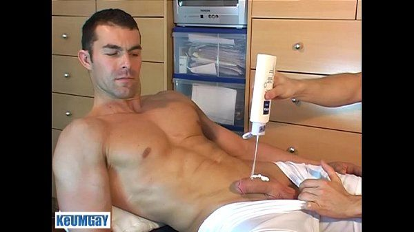 French straight guy, Nicolas serviced! get wanked his huge cock !
