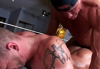 Massagecocks Seduce Bear CockHD