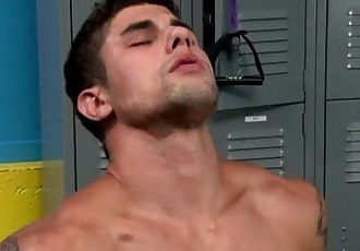 Gay amateur muscle hunks sucking cock