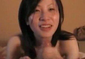 Japanese Real-Amateur Blowjob - 10 min