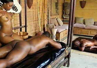 Alluring nubian masseuse - 5 min