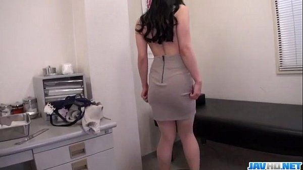 Busty milf Miu Watanabe receives abig cock to play with