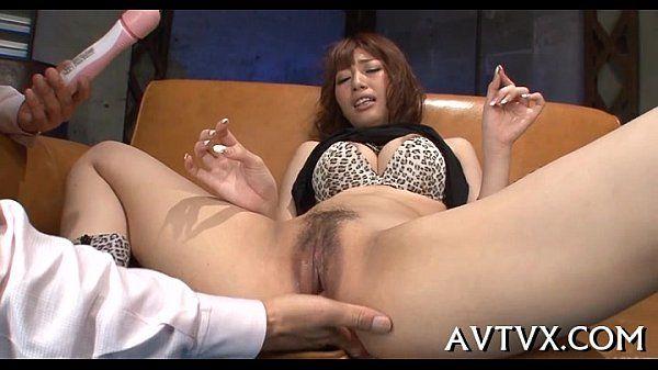 Toying japanese babe\