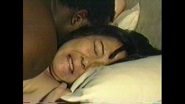 Japanese housewife Machiko fucked black.