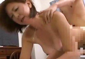 Milf Fucked By Young Guy Creampie On The Bed - 9 min