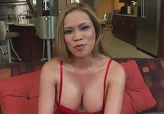 Sexy Asian MILF takes anal pounding - 8 min