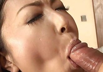 Asian milf sucking his cum off for a mouth slurp - 57 sec