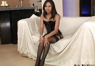Nyomi cums hard - 22 min