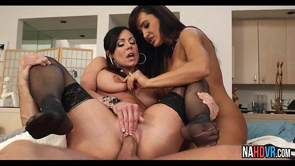 Threesome With Neighbor Lisa Ann, Kendra LustHD