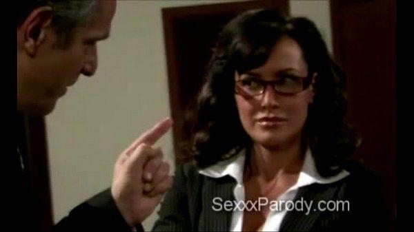 Booty blond secretary makes thugs go mad in 30 Rock parody