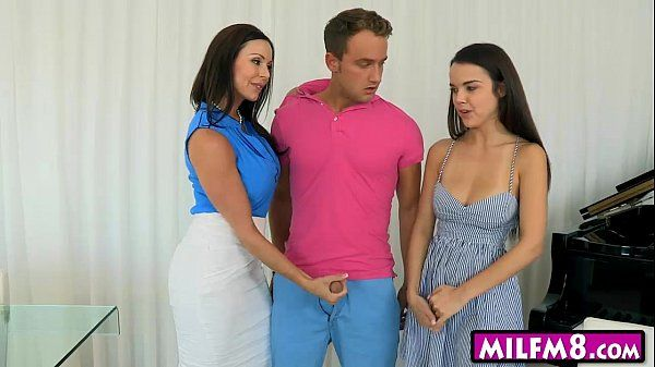 Shae Summers and Kendra Lust ffm threesome on the couch