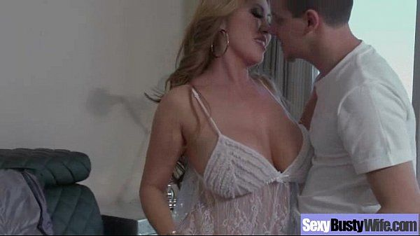 Housewife (kianna dior) With Big Juggs Fucks On Camera clip-20