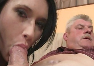 She is seduced by his old parents - 6 min