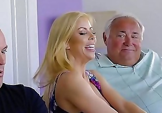 Alexis FawxI took my fathers pills so I need my moms help! 7 min 720p