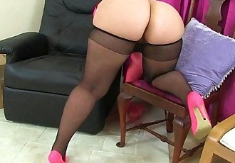 UK milfs Louise Bassett and Jessica Jay playing in tightsHD