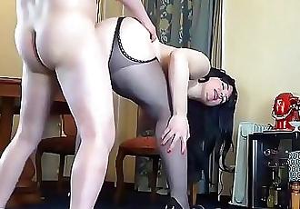 Horny Anal Mom 20 min HD