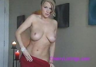 STUNNING BLONDE MILF - SEXXXY STRIP TEASE! - 1 min 37 sec