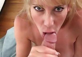 BIg tits MILF Gives world class blowjob