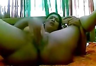 Indian desi hot wife hard masturbation 14 min 720p