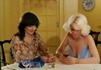 Mature - Veronica Hart and Honey Wilder - 9 min