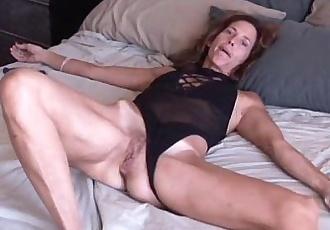 Mature amateur loves it anal - 5 min
