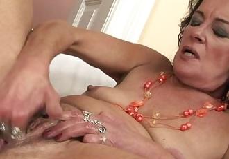 Horny granny masturbate and squirt