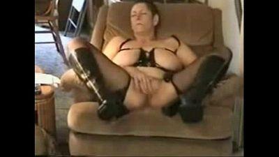 Great orgasm of slut granny. Amateur - 1 min 37 sec