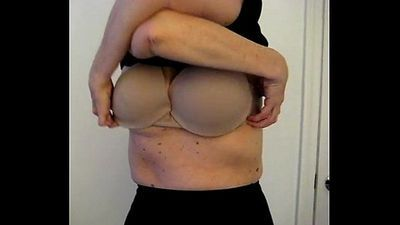 Wife Flashing Huge Boobs - 10 sec