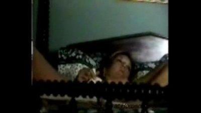 Hidden cam caught quick orgasm of my mom - 35 sec