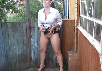 Smoking pissing heels