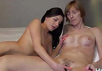 OmaHunteR Sexy Teen Chick and Mature Lady 5 min 1080p