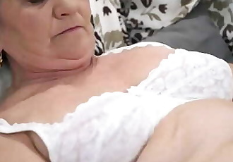 Old hairy pussy filled with young cock 6 min 720p