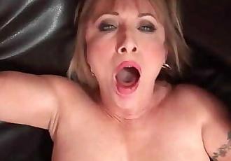 Hot grandma Luna Azul loves cum on her face 24 min 720p