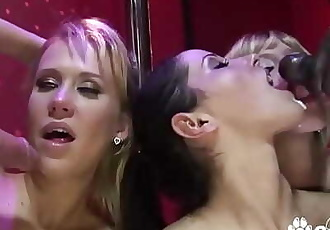 A Wild Orgy Breaks Out At The Strip Club 16 min 720p