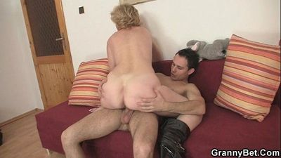 Old bitch jumps on young cock - 6 min