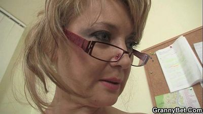 Office bitch enjoys riding his meat - 6 min