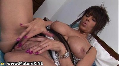 Slutty mature mom with big tits loves - 5 min