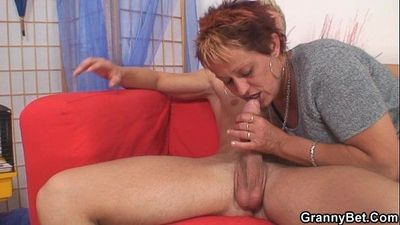 All he needs is her old snatch - 6 min