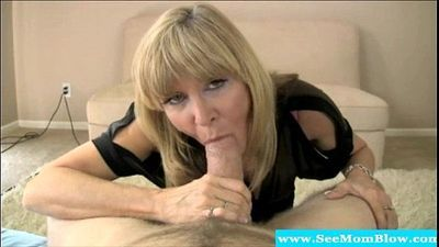 Mature milf beauty knows how to suck - 6 min