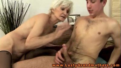 Amateur mature granny gets ravaged - 6 min