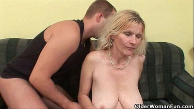 Older mom with big tits and hairy pussy gets facial - 5 min HD