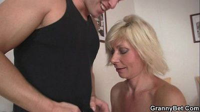 Old blonde rides her neighbor big cock - 6 min