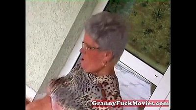 Young stud fucking old fat granny - 5 min