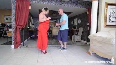 Mature BBW Slut Samantha 38G Gives Fucking Lessons to Stud - 2 min