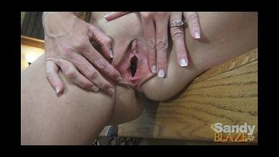 Amatuer Wife Gets Sloppy Creampie - 5 min