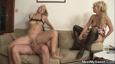 GF gets her pussy licked and fucked by his parents - 6 min